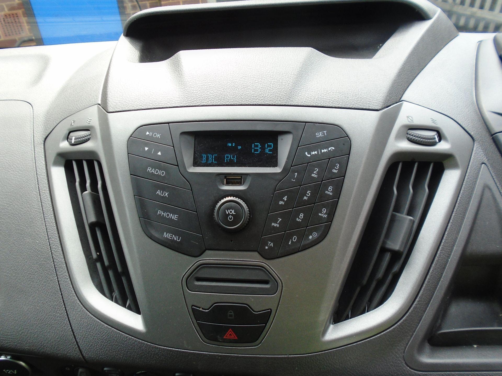 2017 Ford Transit Custom 2.0 Tdci 105Ps Low Roof Van(EURO6) (FE67AZD) Image 18