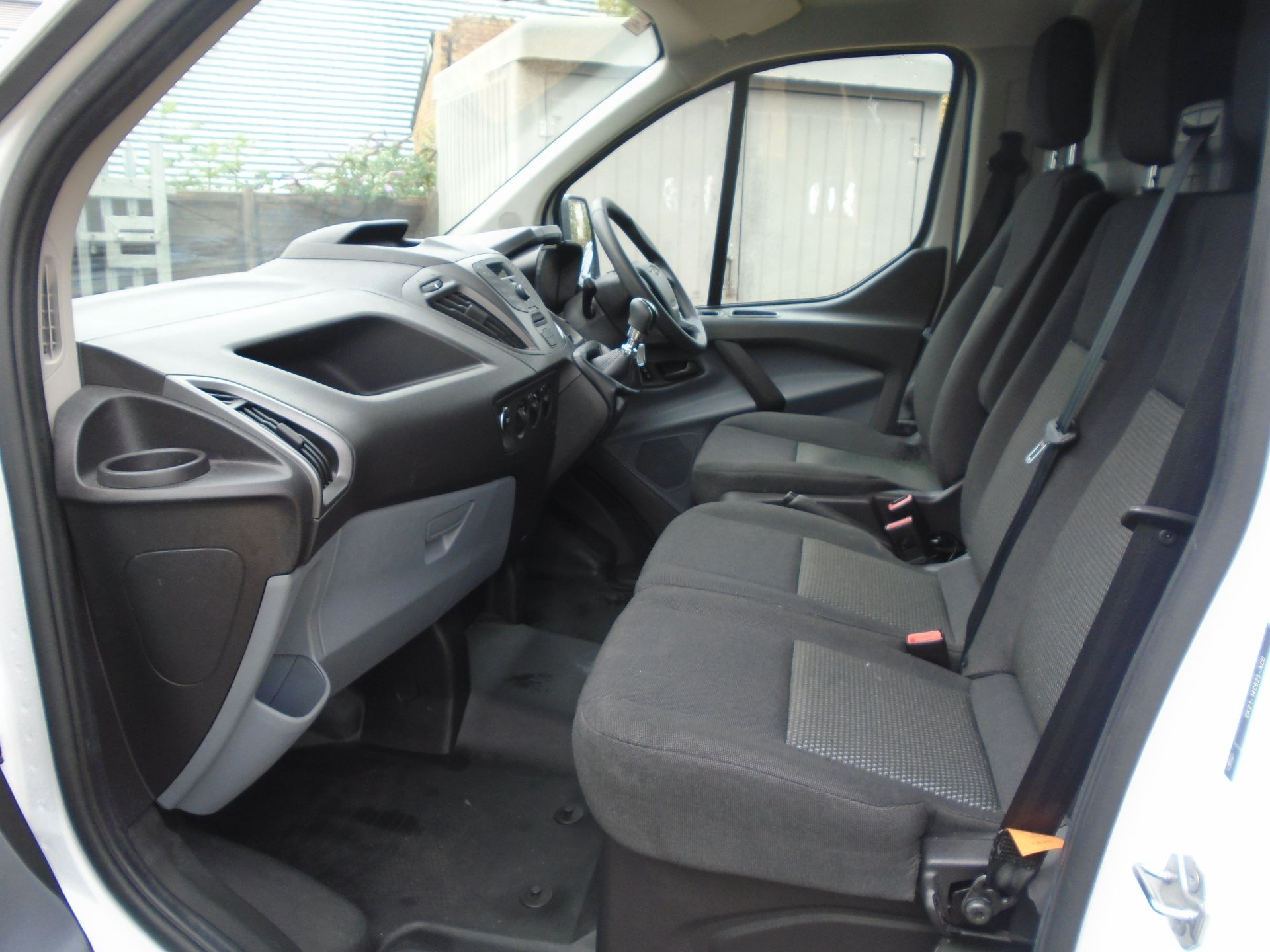 2017 Ford Transit Custom 2.0 Tdci 105Ps Low Roof Van(EURO6) (FE67AZD) Image 12