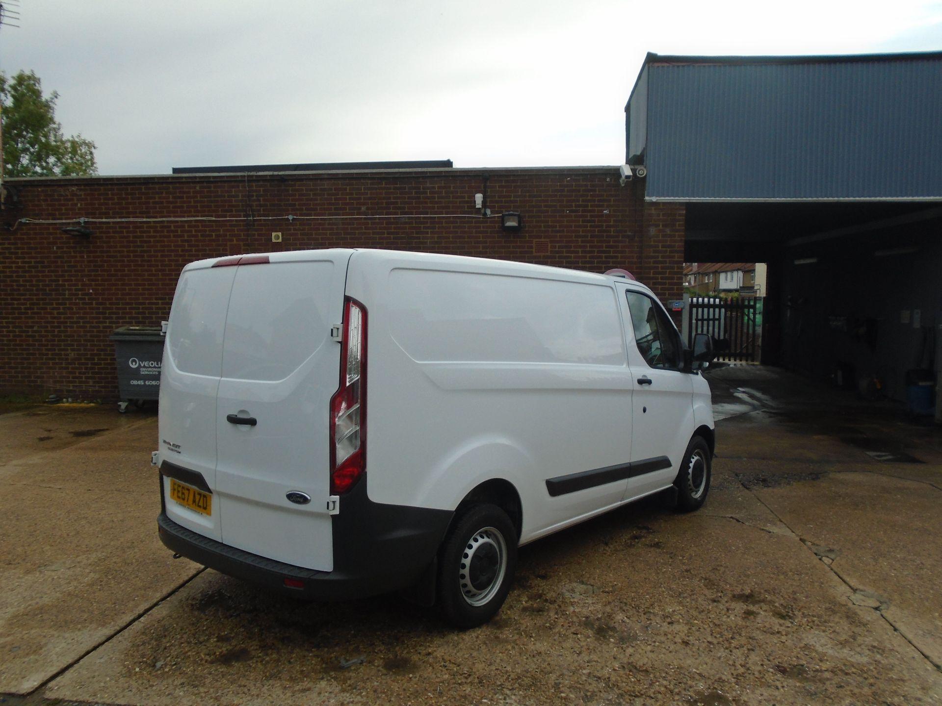 2017 Ford Transit Custom 2.0 Tdci 105Ps Low Roof Van(EURO6) (FE67AZD) Image 8