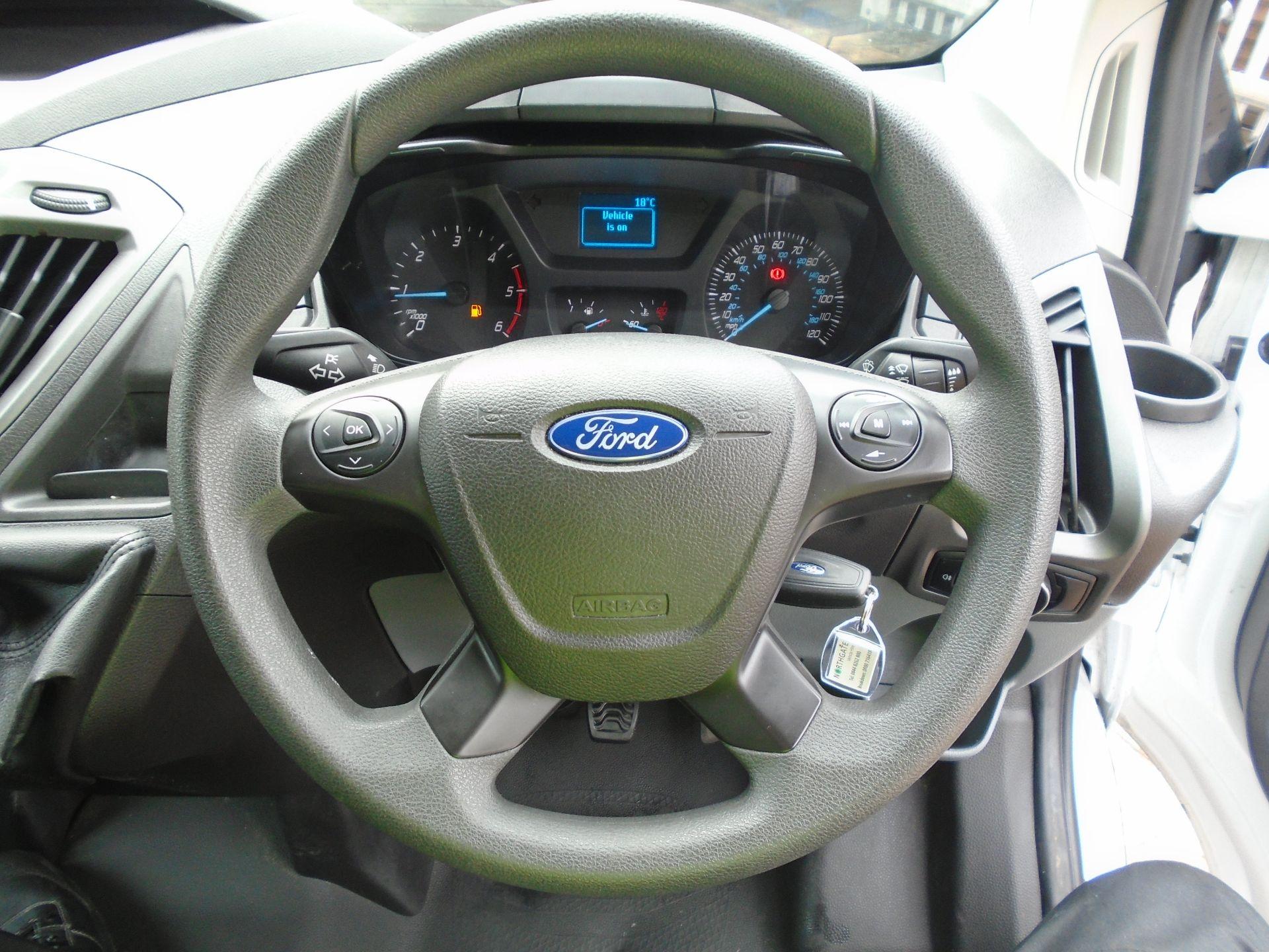 2017 Ford Transit Custom 2.0 Tdci 105Ps Low Roof Van(EURO6) (FE67AZD) Image 16