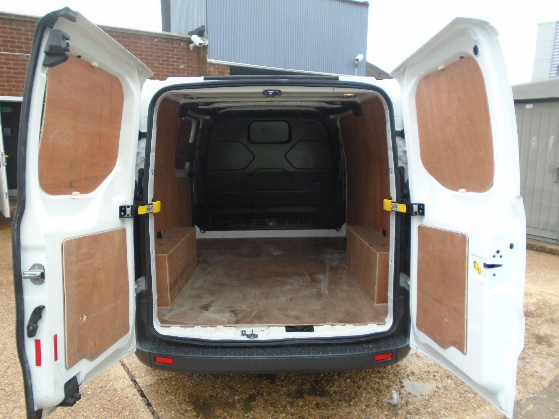 2017 Ford Transit Custom 2.0 Tdci 105Ps Low Roof Van(EURO6) (FE67AZD) Image 10