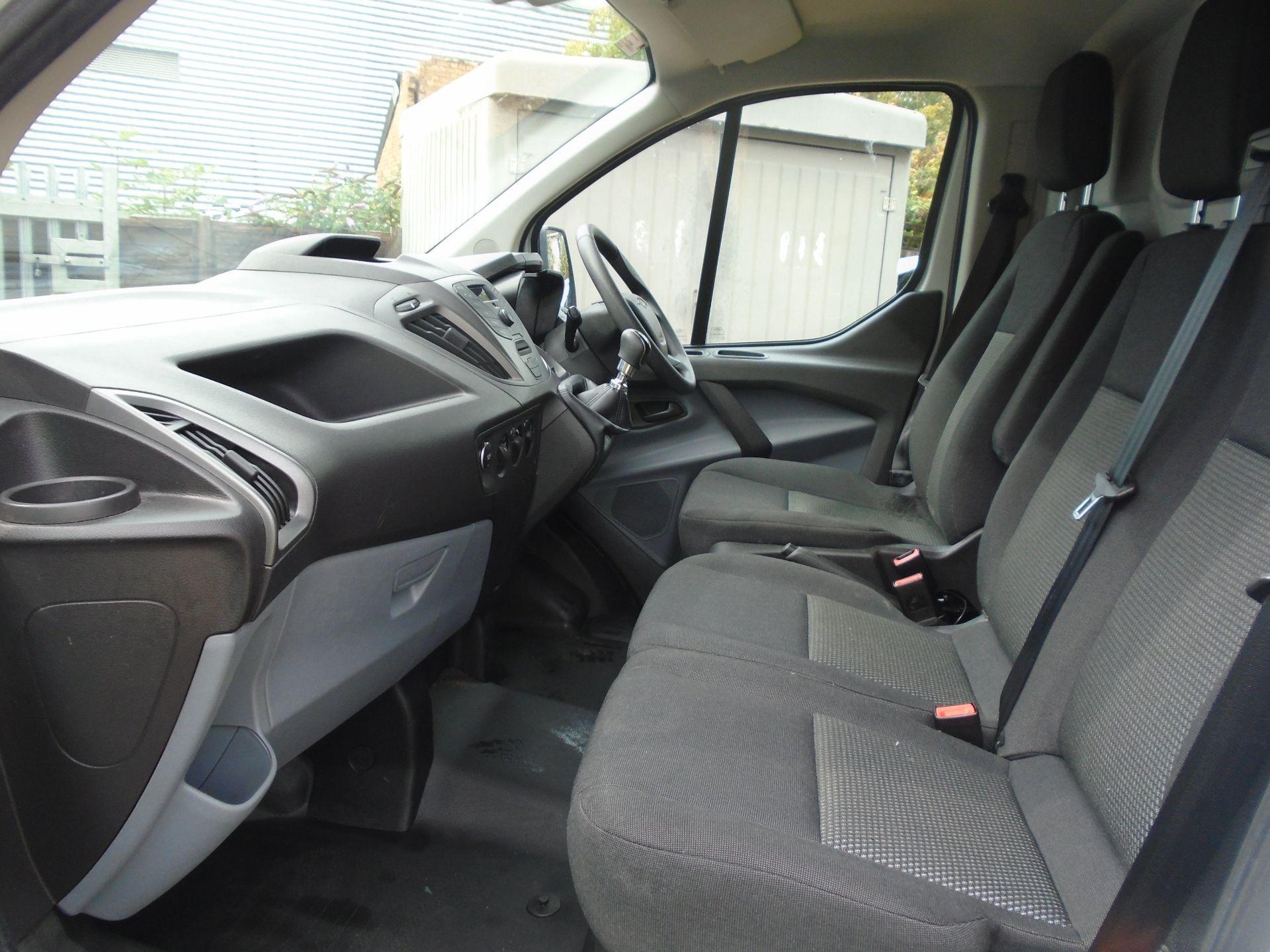 2017 Ford Transit Custom 2.0 Tdci 105Ps Low Roof Van(EURO6) (FE67AZD) Image 25