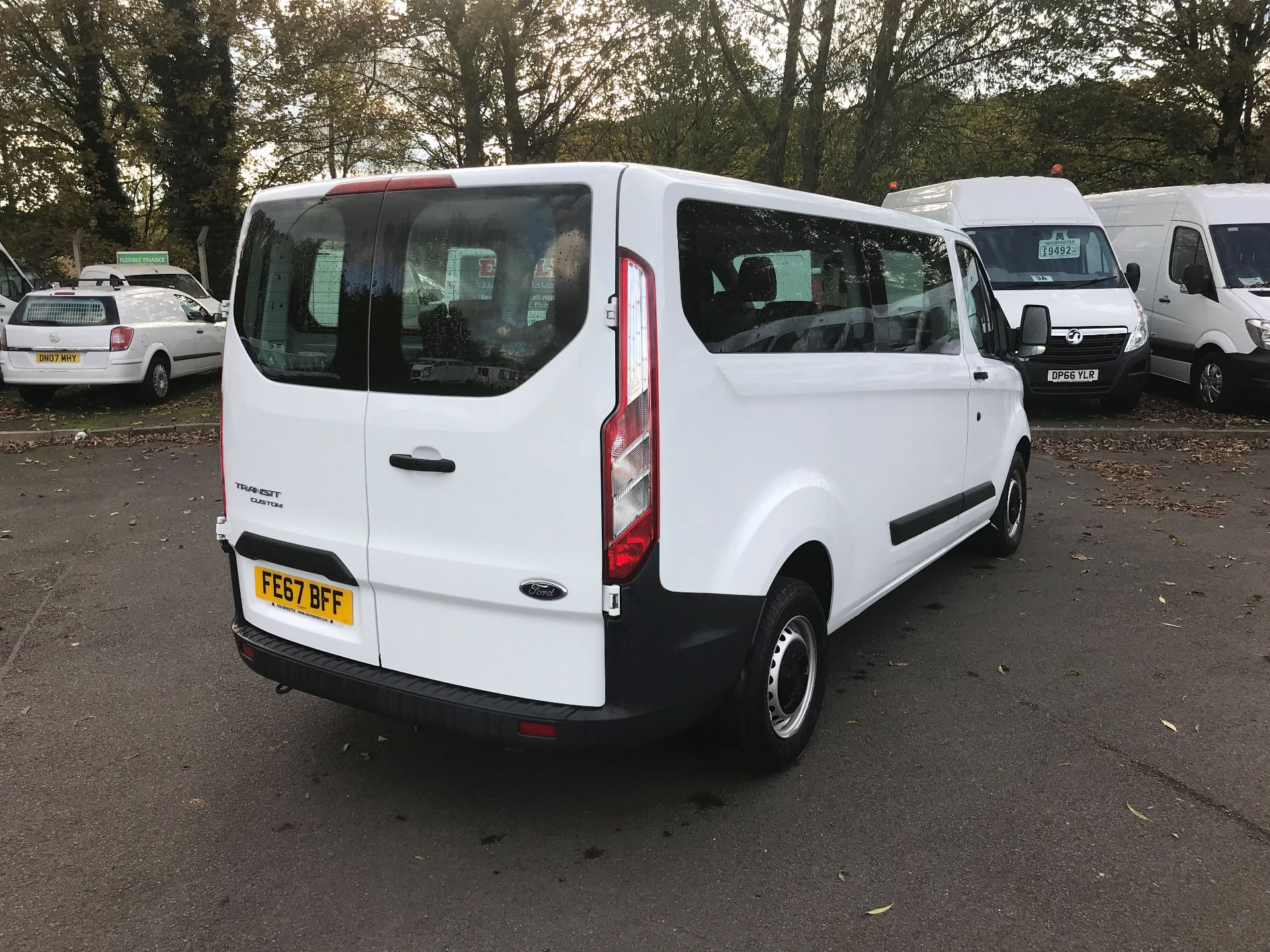 2017 Ford Transit Custom  310  L2  LOW ROOF  KOMBI 130PS EURO 6 (FE67BFF) Image 4