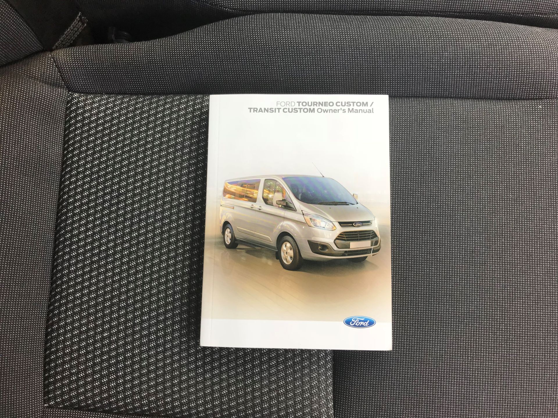 2017 Ford Transit Custom  310  L2  LOW ROOF  KOMBI 130PS EURO 6 (FE67BFF) Image 30