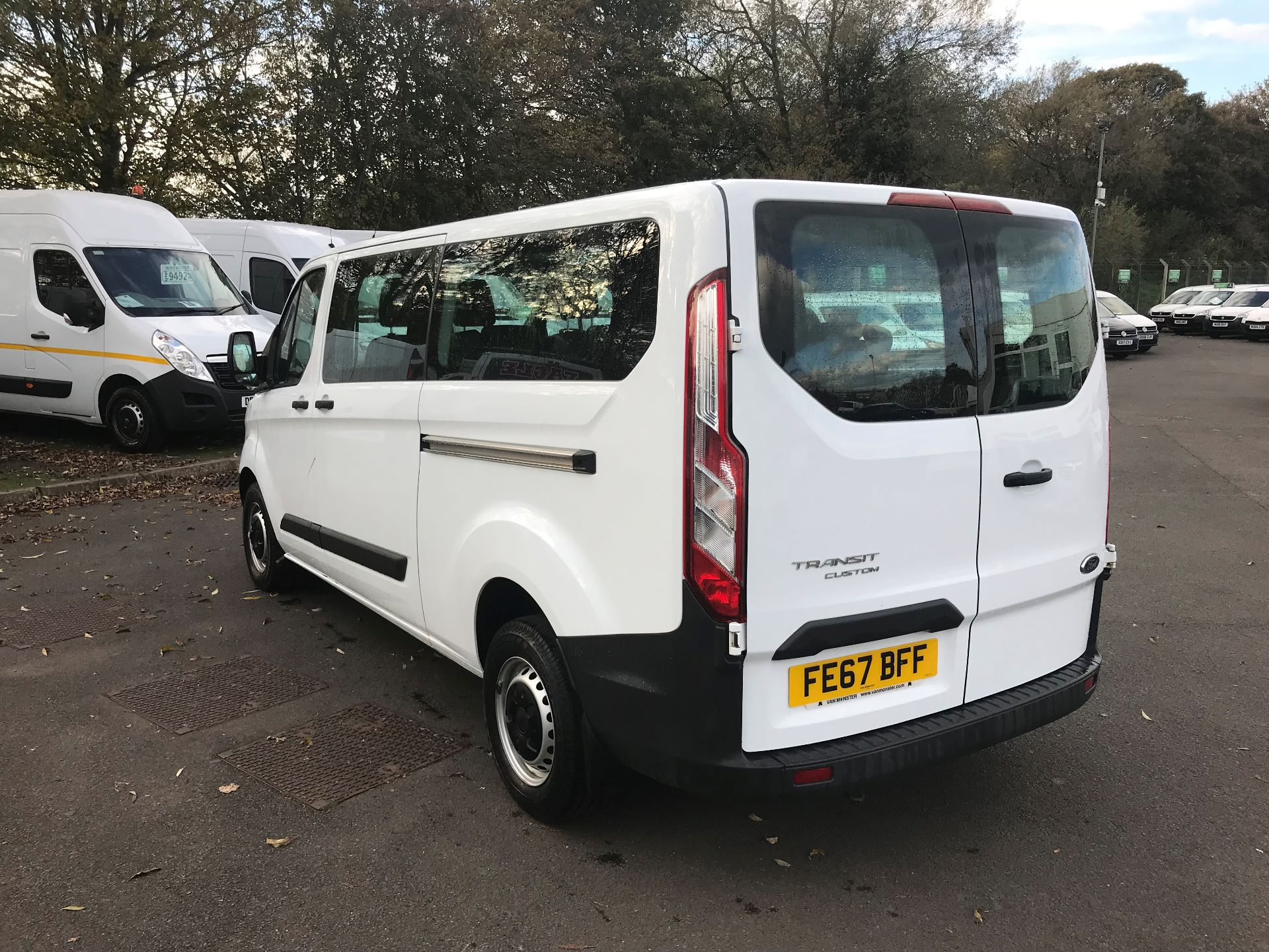 2017 Ford Transit Custom  310  L2  LOW ROOF  KOMBI 130PS EURO 6 (FE67BFF) Image 5