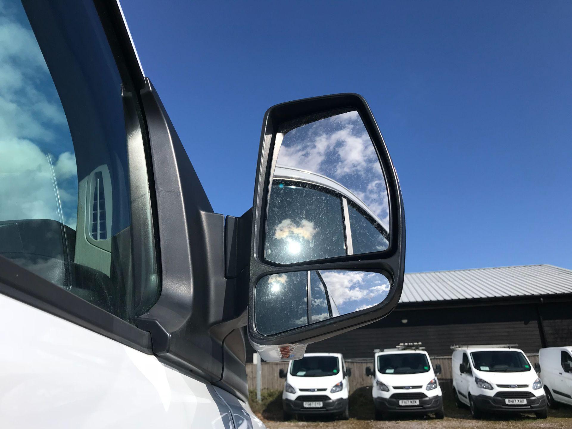 2017 Ford Transit Custom 2.0 Tdci 105Ps Low Roof Van Euro 6 (FE67BJK) Image 13