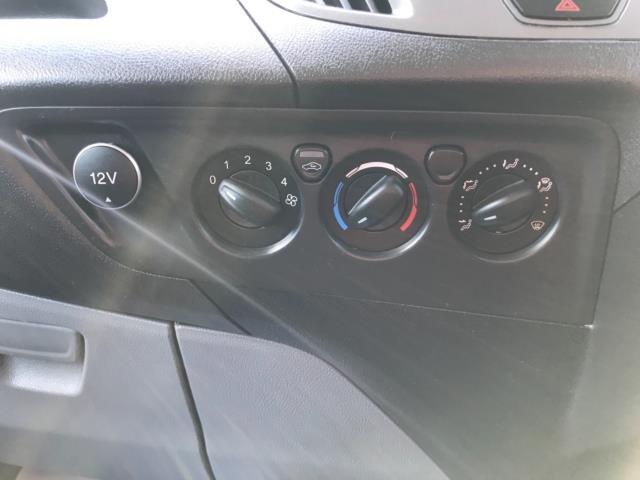 2017 Ford Transit Custom 2.0 Tdci 105Ps Low Roof Van Euro 6 (FE67BKN) Image 22