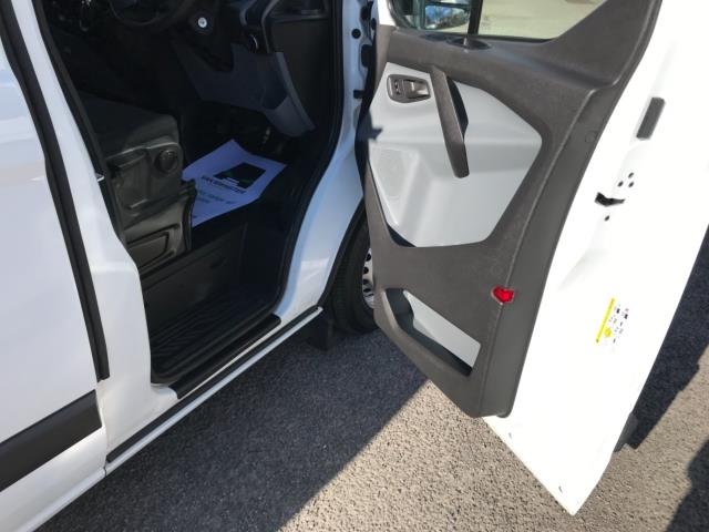 2017 Ford Transit Custom 2.0 Tdci 105Ps Low Roof Van Euro 6 (FE67BKN) Image 13