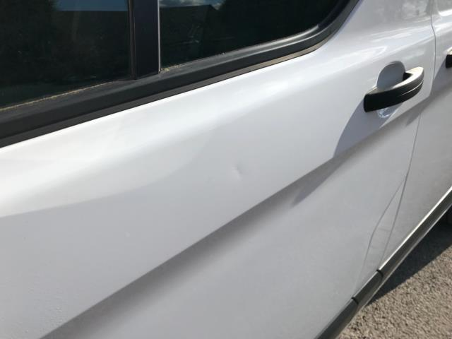 2017 Ford Transit Custom 2.0 Tdci 105Ps Low Roof Van Euro 6 (FE67BKN) Image 40