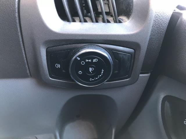 2017 Ford Transit Custom 2.0 Tdci 105Ps Low Roof Van Euro 6 (FE67BKN) Image 20