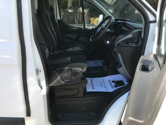2017 Ford Transit Custom 2.0 Tdci 105Ps Low Roof Van Euro 6 (FE67BKN) Image 12