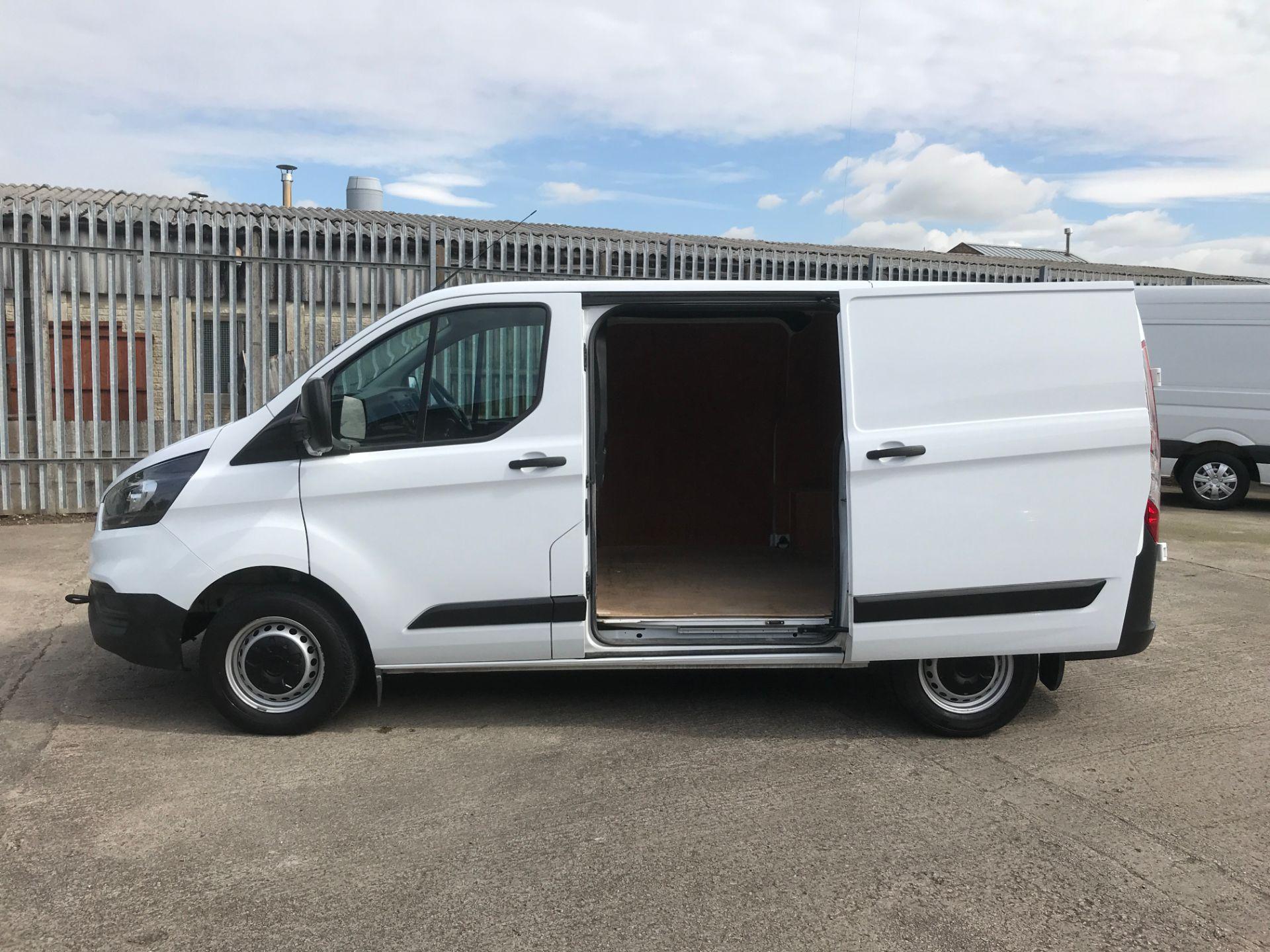 2018 Ford Transit Custom  300 L1 H1 2.0TDI 105PS EURO 6 (FE68ZNT) Image 23