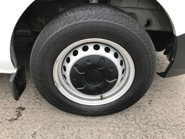2018 Ford Transit Custom  300 L1 H1 2.0TDI 105PS EURO 6 (FE68ZNT) Image 15