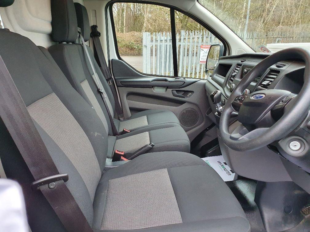 2018 Ford Transit Custom 300 BASE 105BHP 2.0 EURO 6 (FE68ZPM) Image 5