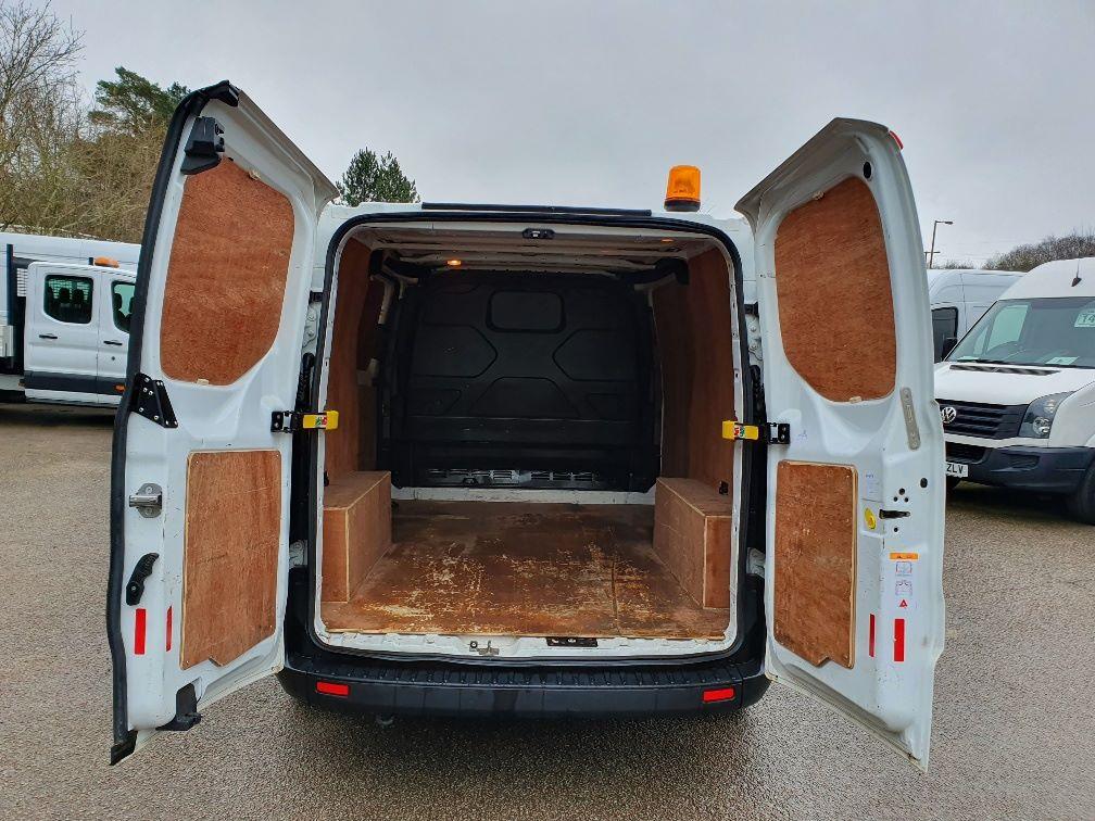 2018 Ford Transit Custom 300 BASE 105BHP 2.0 EURO 6 (FE68ZPM) Image 11