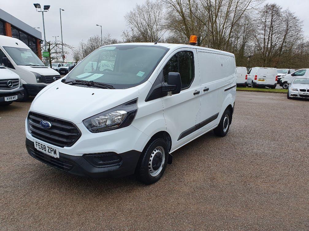 2018 Ford Transit Custom 300 BASE 105BHP 2.0 EURO 6 (FE68ZPM) Image 3