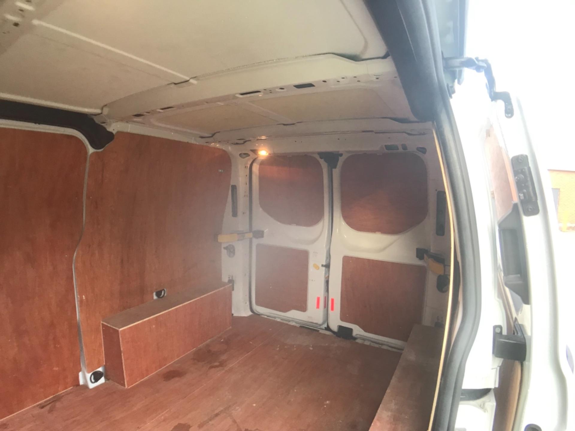 2018 Ford Transit Custom  300 L1 DIESEL FWD 2.0 TDCI 105PS LOW ROOF VAN EURO 6 (FE68ZVS) Image 10