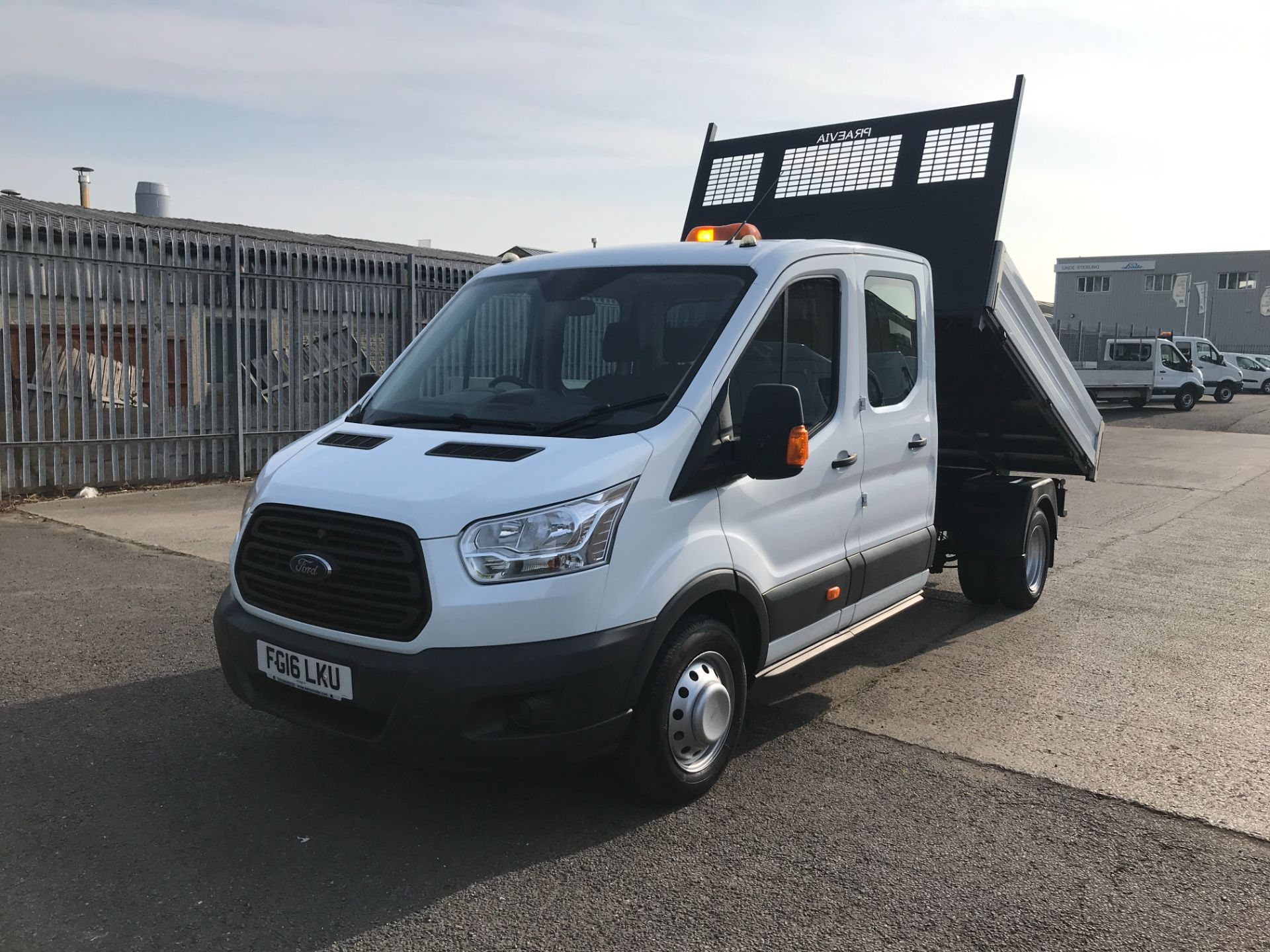 2016 Ford Transit T350 DOUBLE CAB TIPPER 125PS EURO 5 (FG16LKU) Image 2