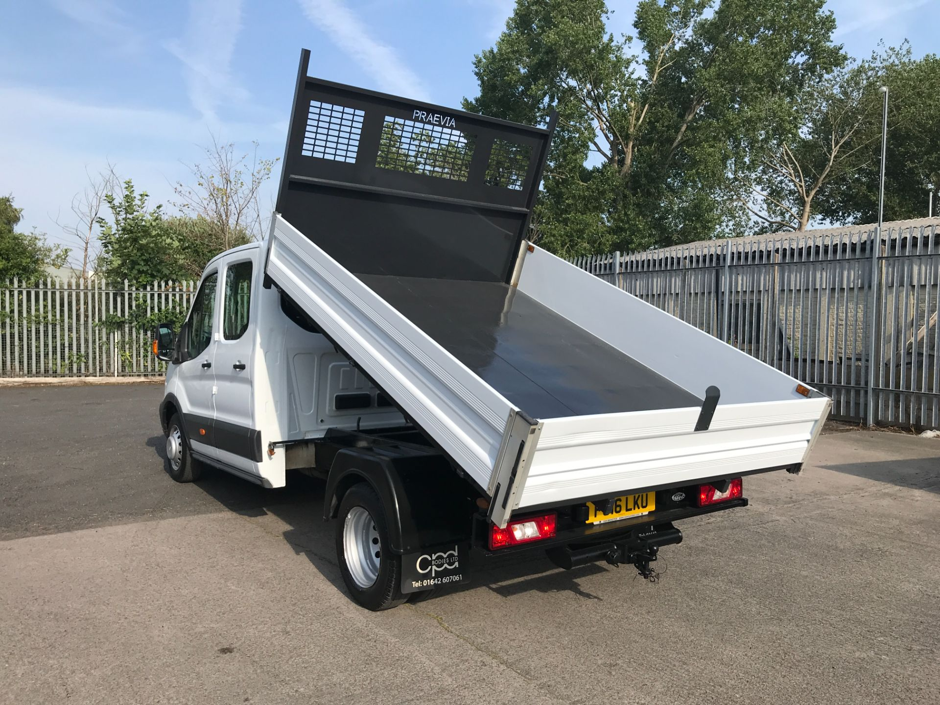 2016 Ford Transit T350 DOUBLE CAB TIPPER 125PS EURO 5 (FG16LKU) Image 4