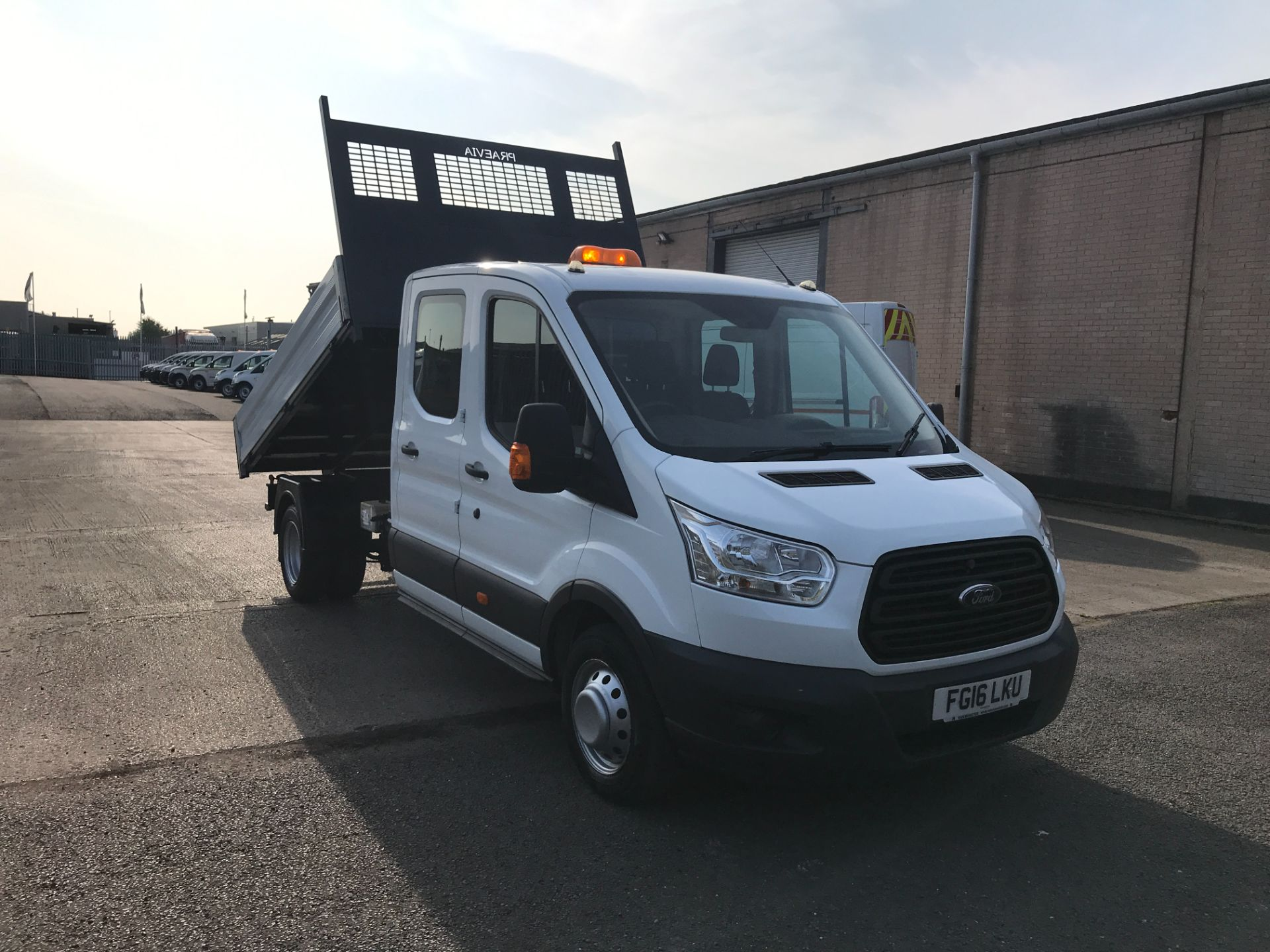 2016 Ford Transit T350 DOUBLE CAB TIPPER 125PS EURO 5 (FG16LKU)