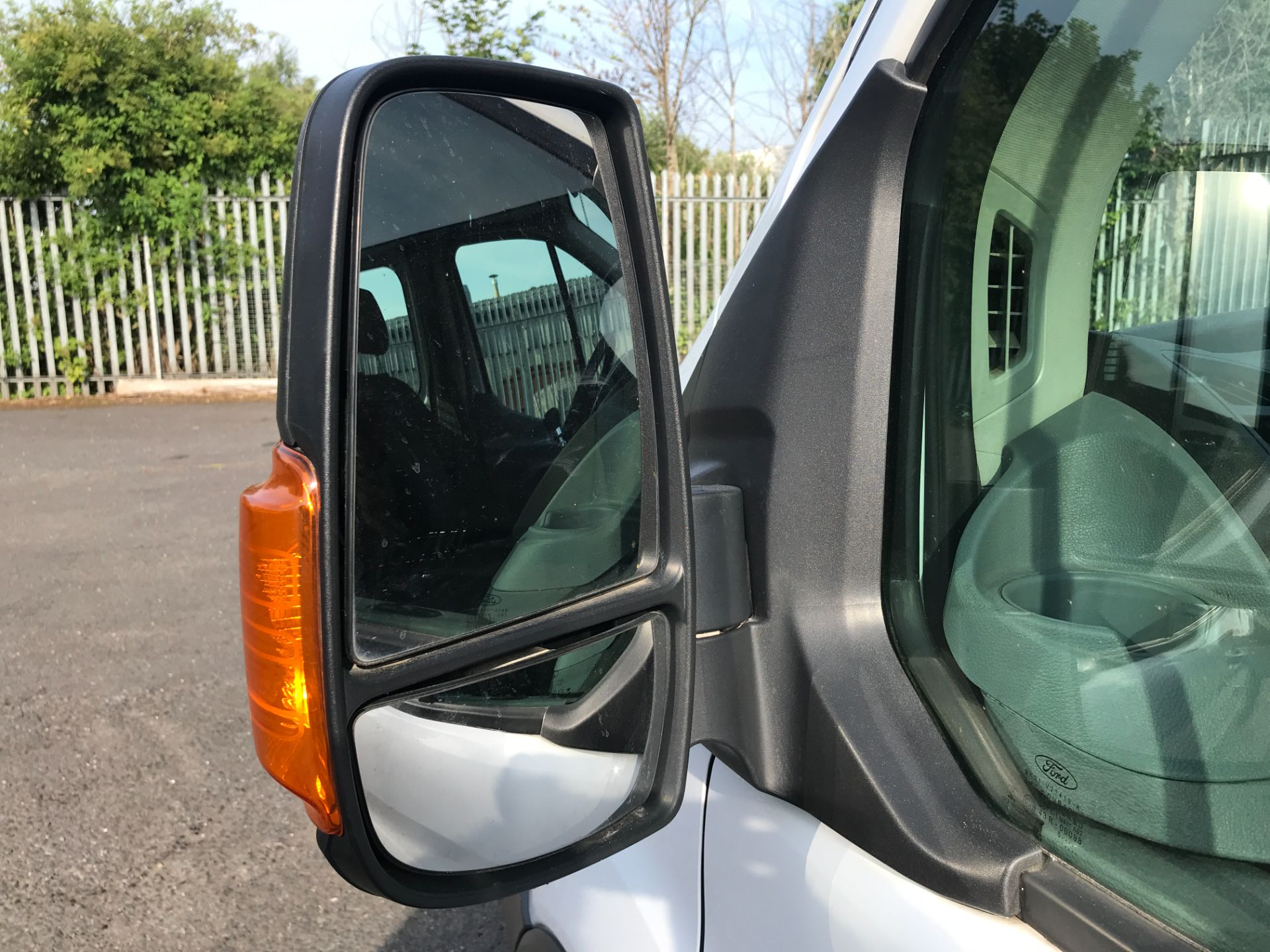 2016 Ford Transit T350 DOUBLE CAB TIPPER 125PS EURO 5 (FG16LKU) Image 27