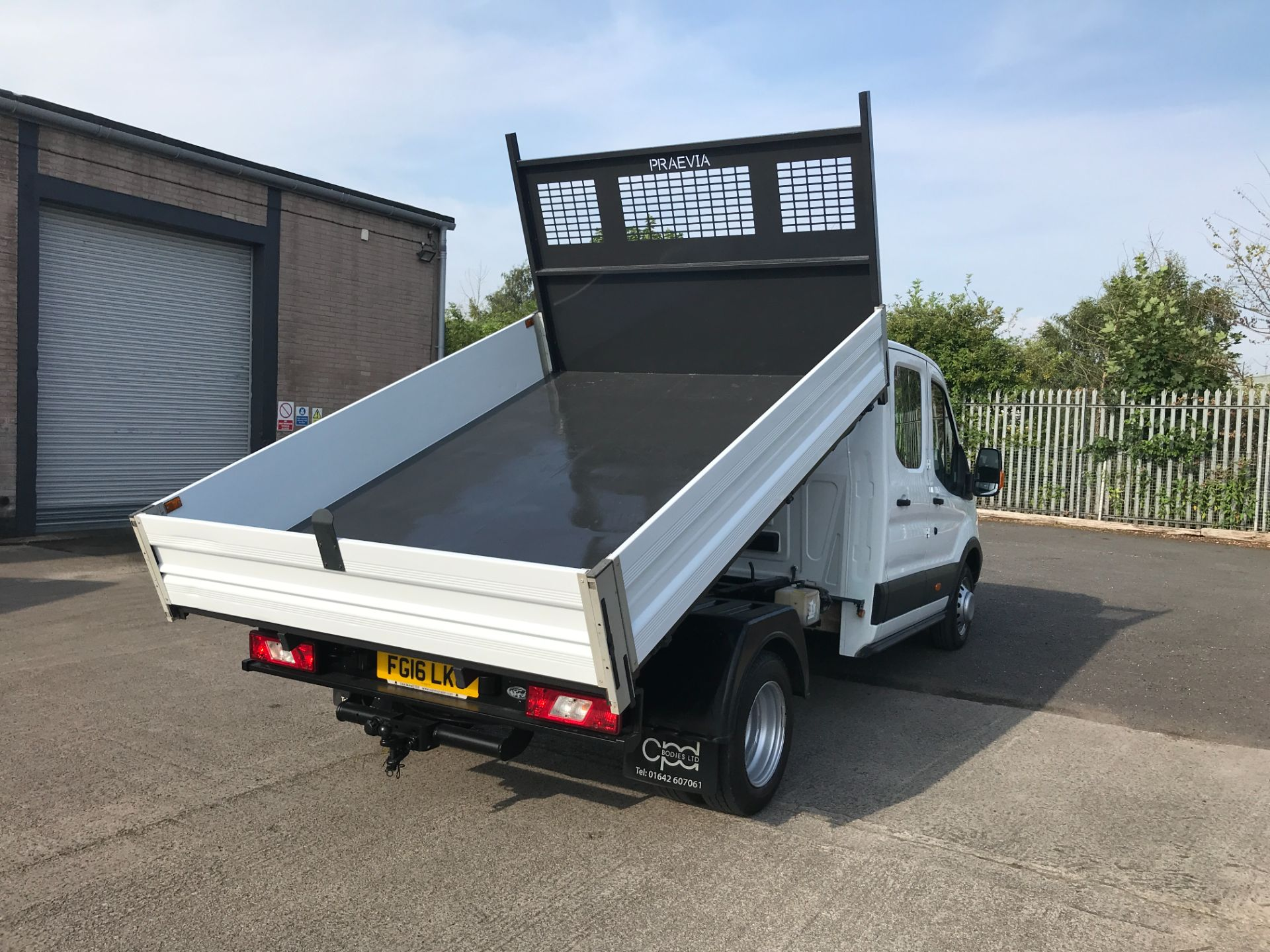 2016 Ford Transit T350 DOUBLE CAB TIPPER 125PS EURO 5 (FG16LKU) Image 3