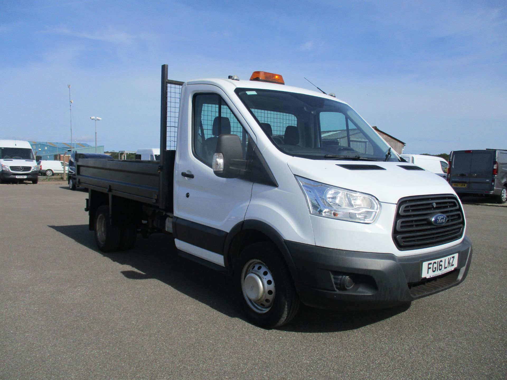 2016 Ford Transit 350 L2 SINGLE CAB TIPPER 125PS EURO 5 (FG16LKZ)