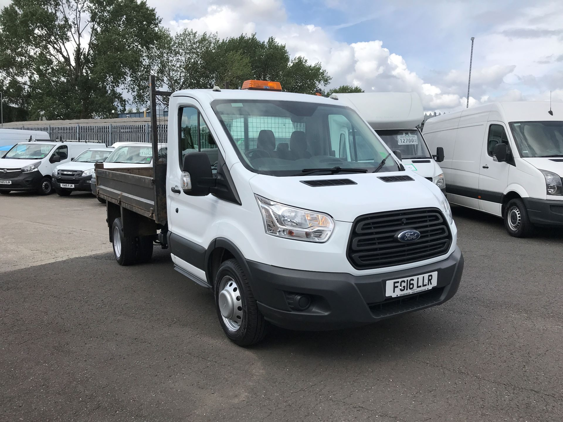 2016 Ford Transit  350 L2 SINGLE CAB TIPPER 125PS EURO 5 (FG16LLR)