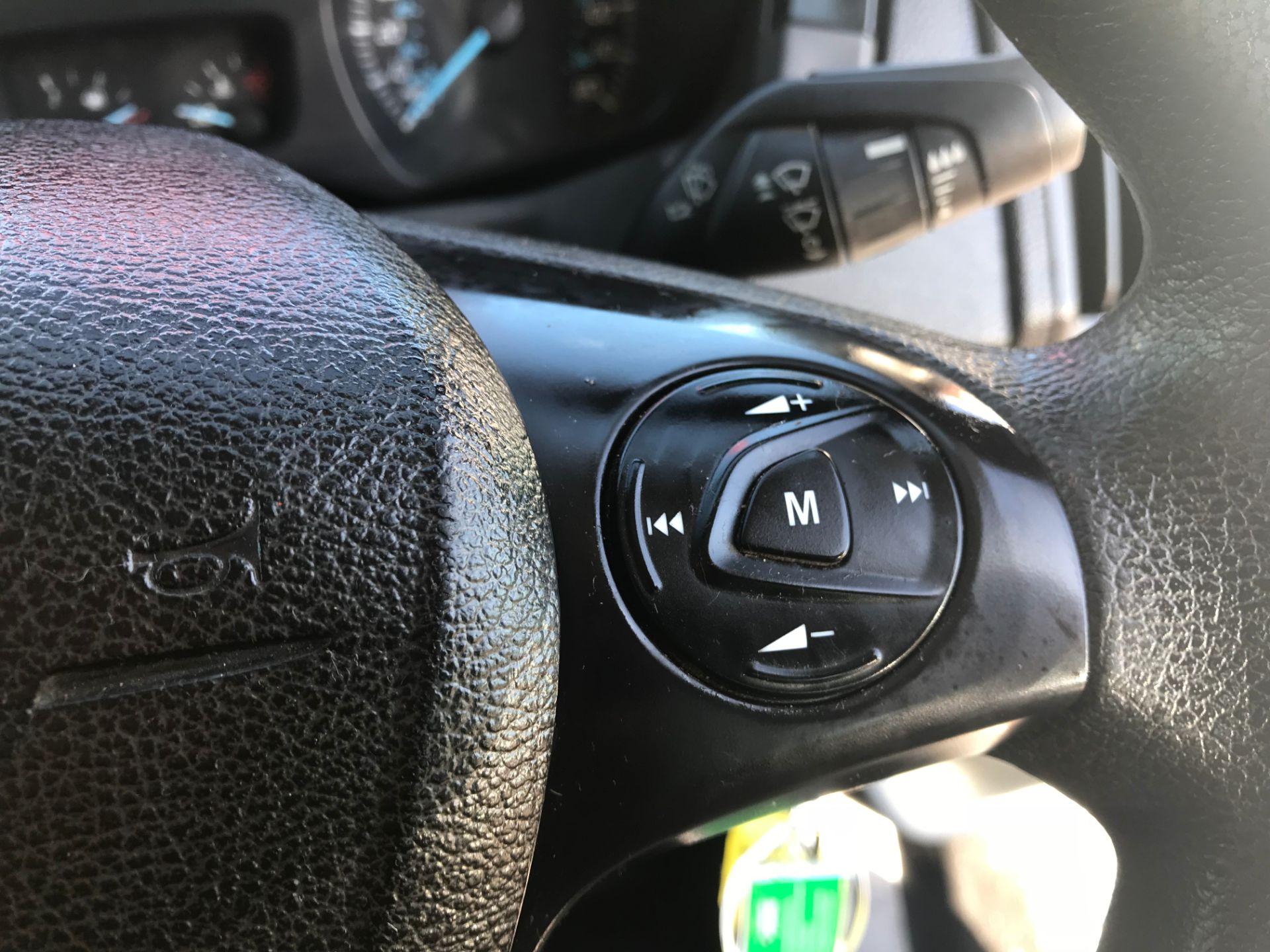 2016 Ford Transit 350 L3 TDCI 125PS D/CAB EURO 5 (FG16LNE) Image 17