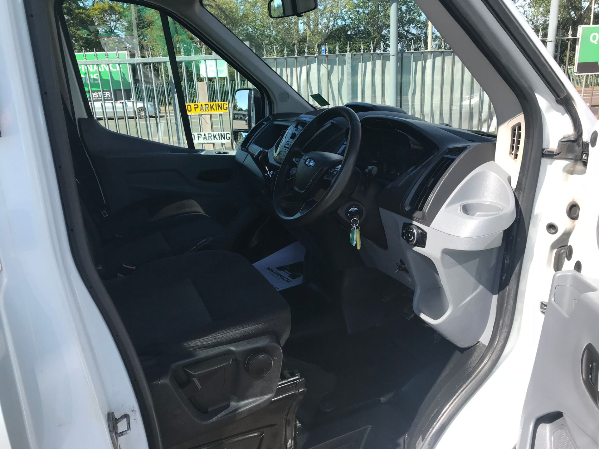 2016 Ford Transit 350 L3 TDCI 125PS D/CAB EURO 5 (FG16LNE) Image 9