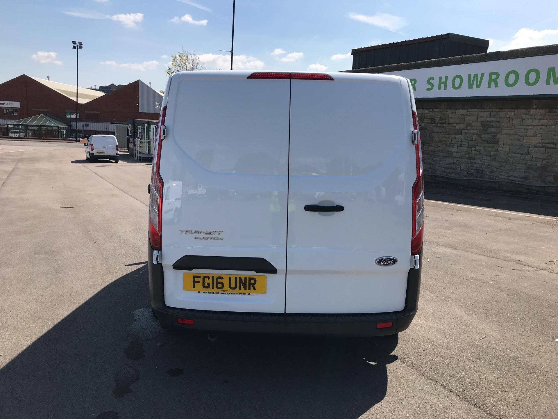 2016 Ford Transit Custom 2.2 Tdci 100Ps Low Roof Van (FG16UNR) Image 4