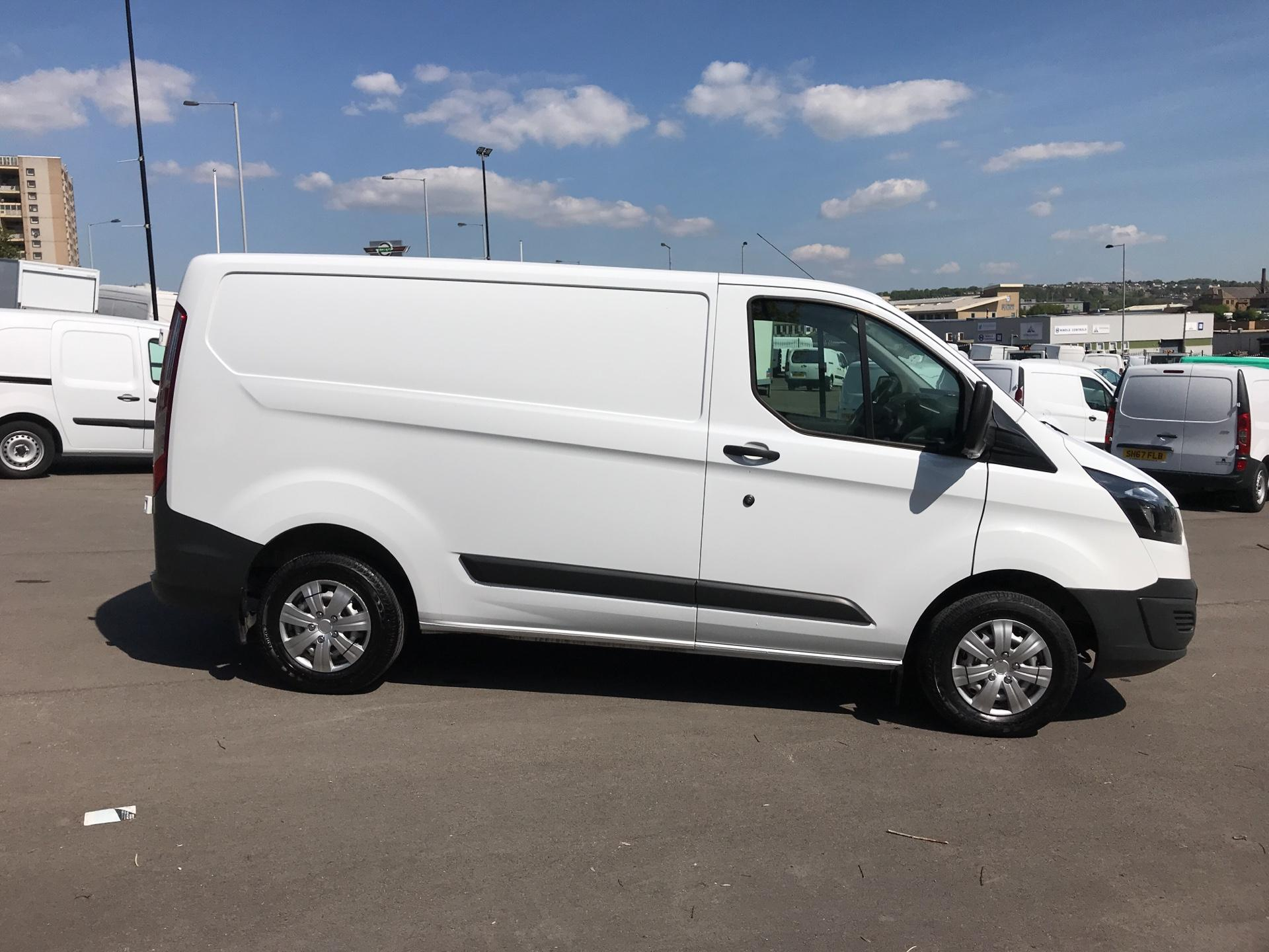 2016 Ford Transit Custom 2.2 Tdci 100Ps Low Roof Van (FG16UNR) Image 2