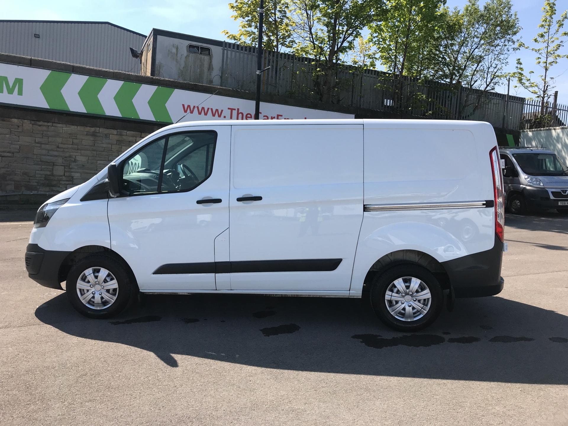 2016 Ford Transit Custom 2.2 Tdci 100Ps Low Roof Van (FG16UNR) Image 6