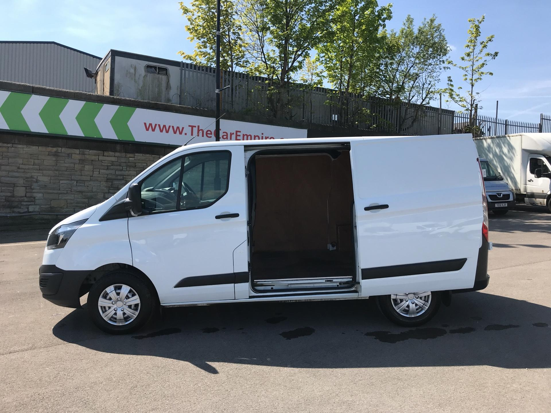 2016 Ford Transit Custom 2.2 Tdci 100Ps Low Roof Van (FG16UNR) Image 17