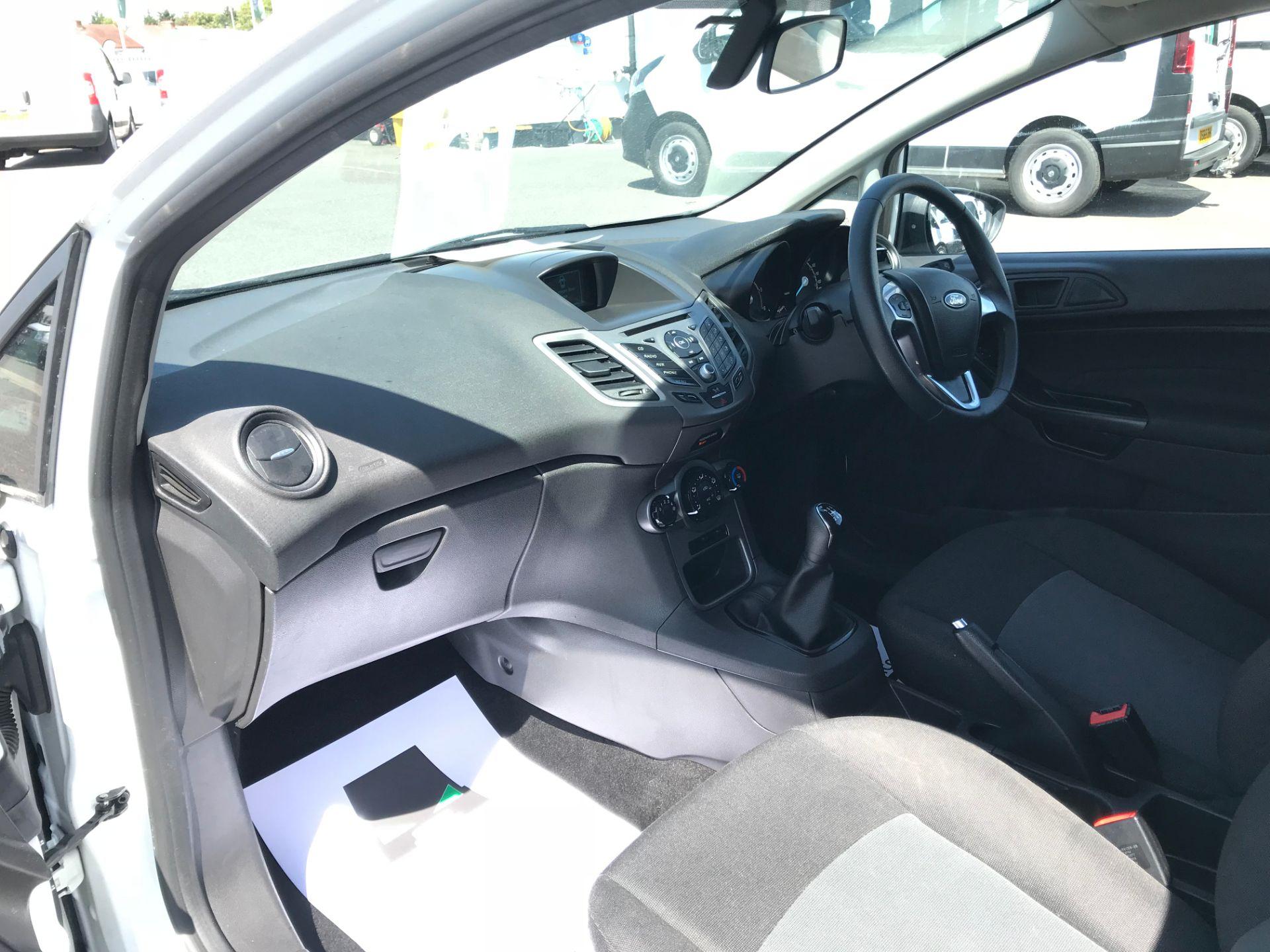 2016 Ford Fiesta DIESEL 1.5 TDCI EURO 5 (FG16UPL) Image 24