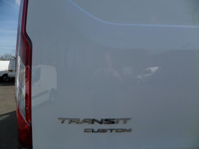 2016 Ford Transit Custom 2.2 Tdci 100Ps Low Roof D/Cab Van (FG16URE) Image 21
