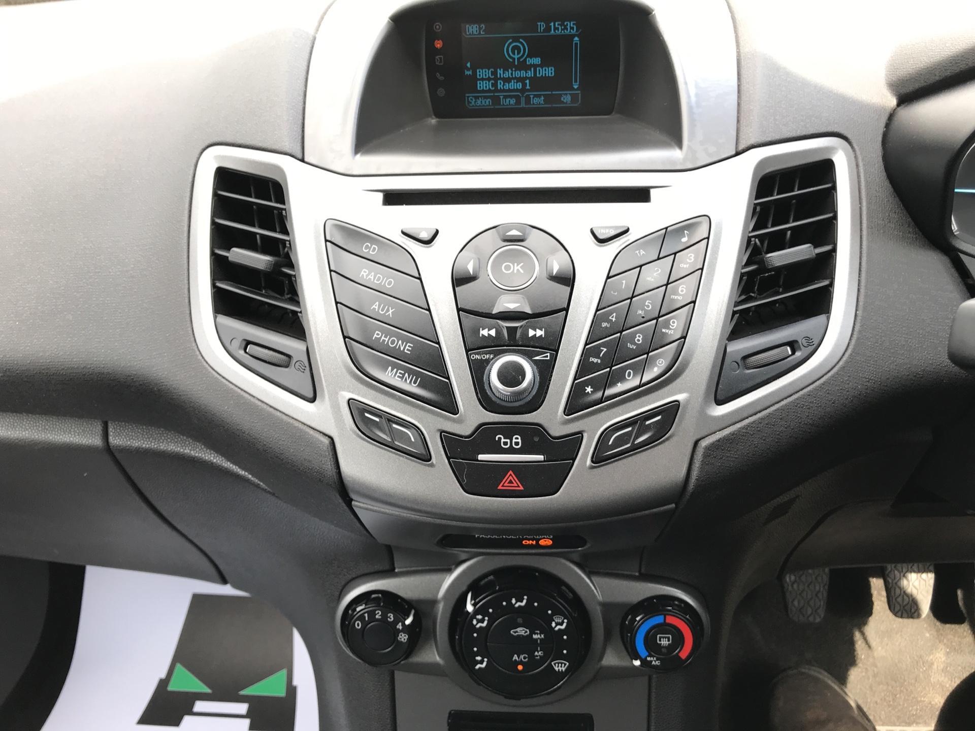 2016 Ford Fiesta DIESEL 1.5 TDCI VAN EURO 5 (FG16UXJ) Image 10