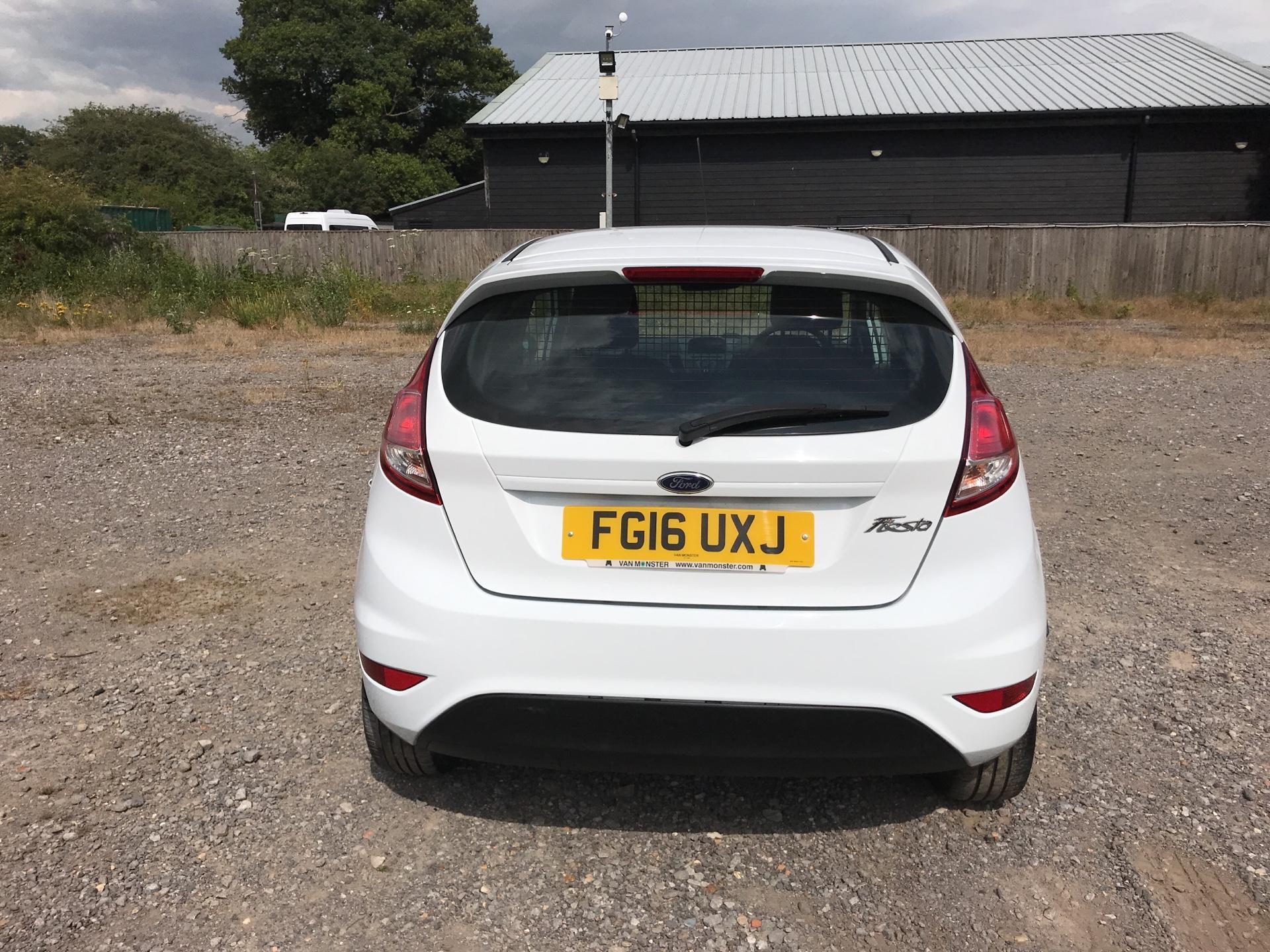 2016 Ford Fiesta DIESEL 1.5 TDCI VAN EURO 5 (FG16UXJ) Image 5