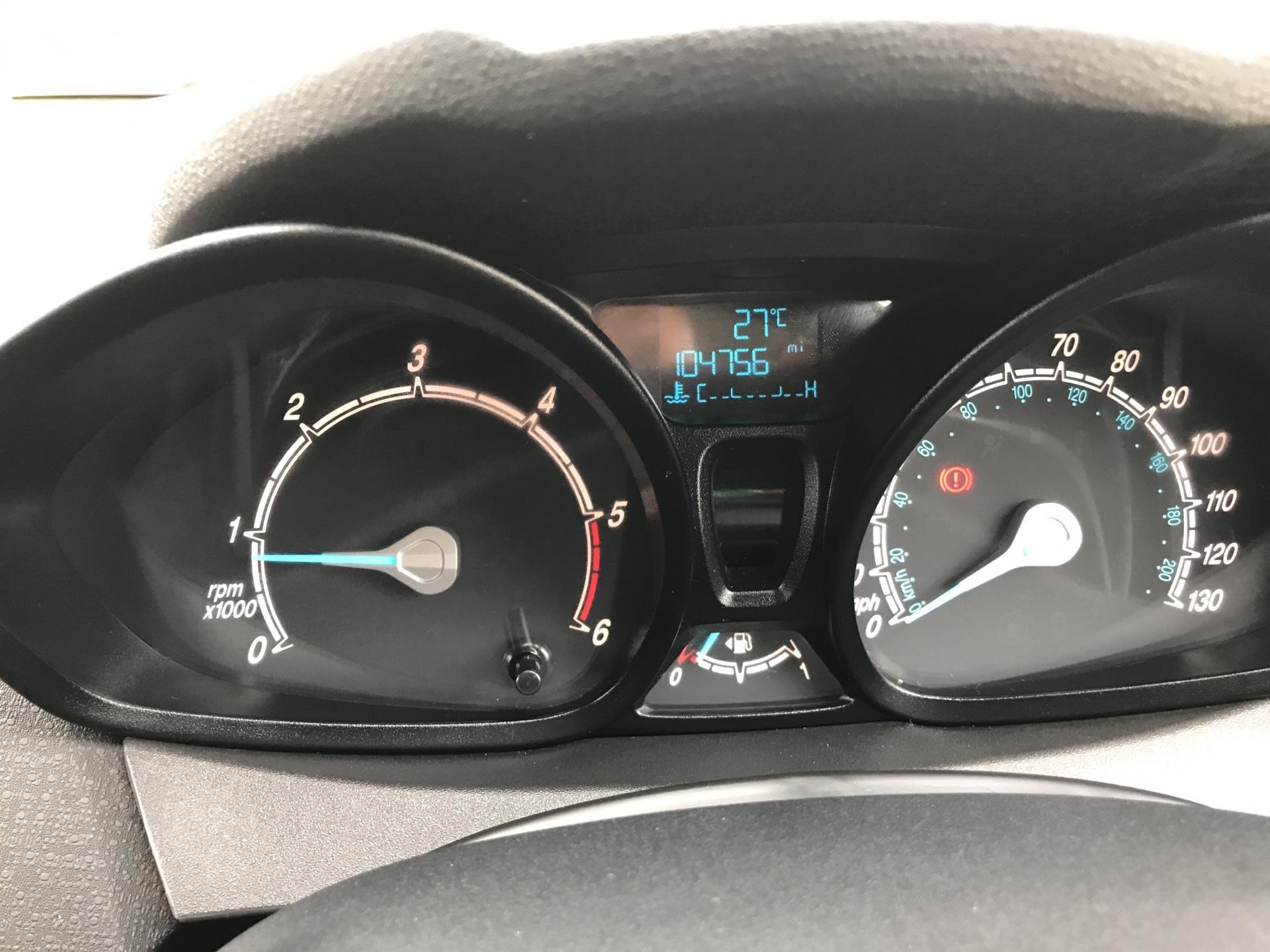 2016 Ford Fiesta DIESEL 1.5 TDCI VAN EURO 5 (FG16UXJ) Image 13