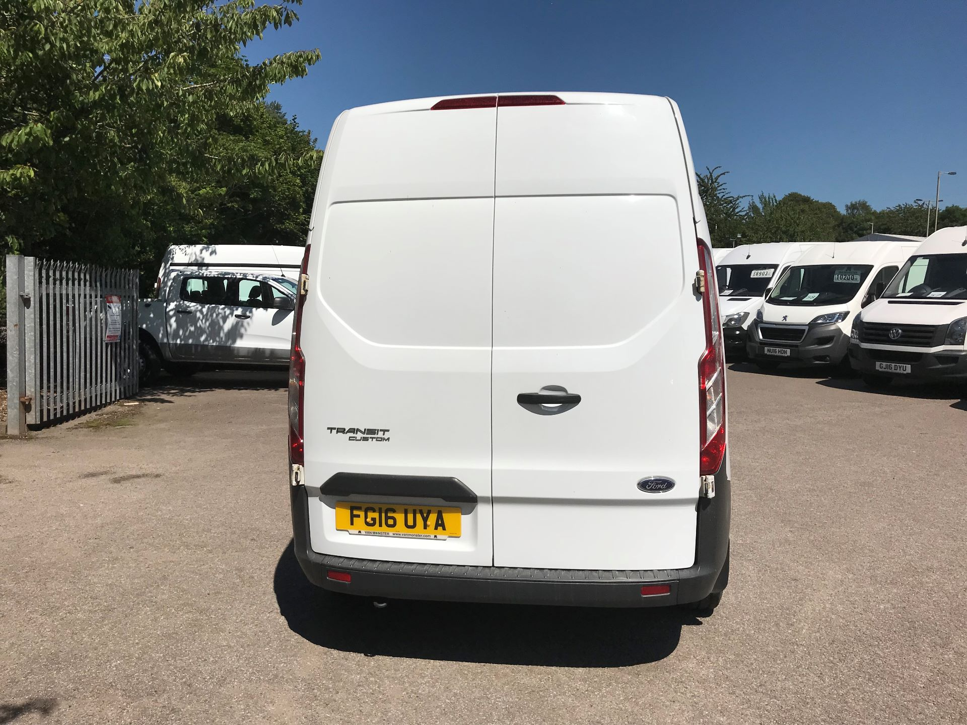 2016 Ford Transit Custom  290 L2 DIESEL FWD 2.2 TDCI 100PS HIGH ROOF EURO 5 (FG16UYA) Image 9