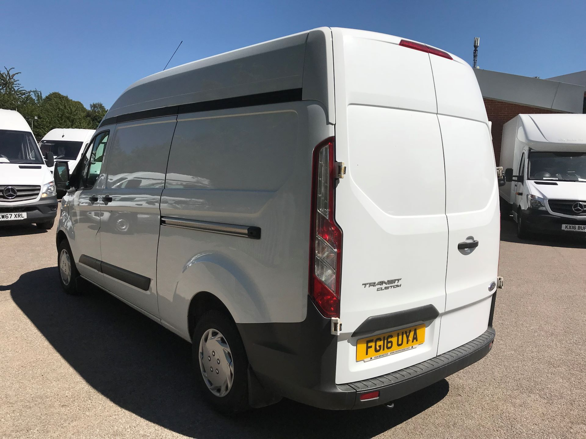 2016 Ford Transit Custom  290 L2 DIESEL FWD 2.2 TDCI 100PS HIGH ROOF EURO 5 (FG16UYA) Image 12