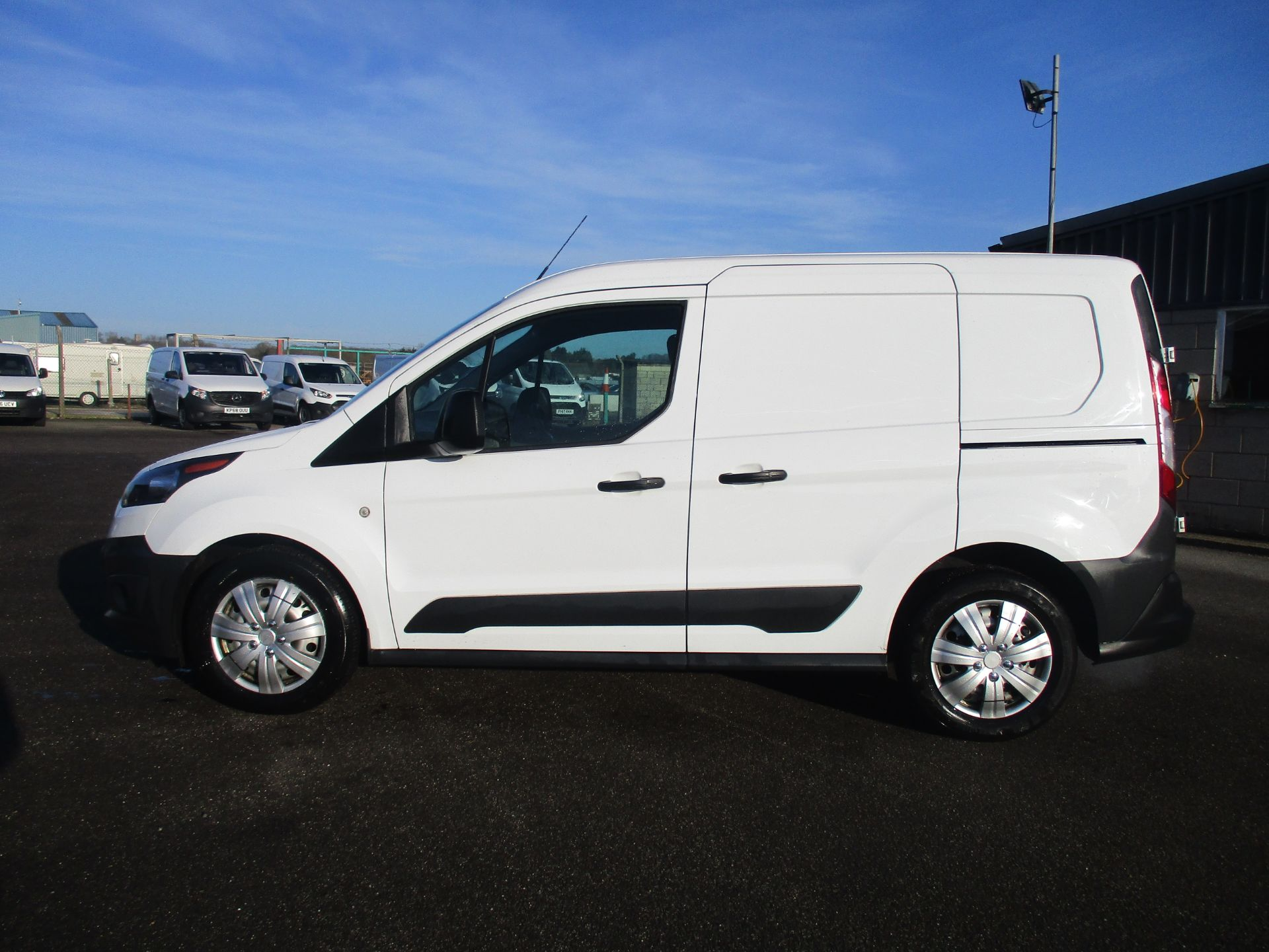2016 Ford Transit Connect T220 L1 H1 1.5TDCI 75PS EURO 6 (FG16UYS) Image 8