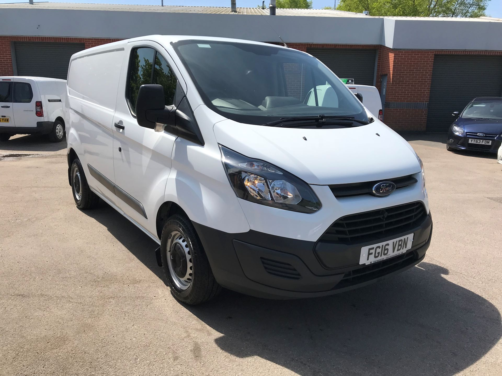 2016 Ford Transit Custom 290 L1 DIESEL FWD 2.2  TDCI 100PS LOW ROOF VAN EURO 5 (FG16VBN)