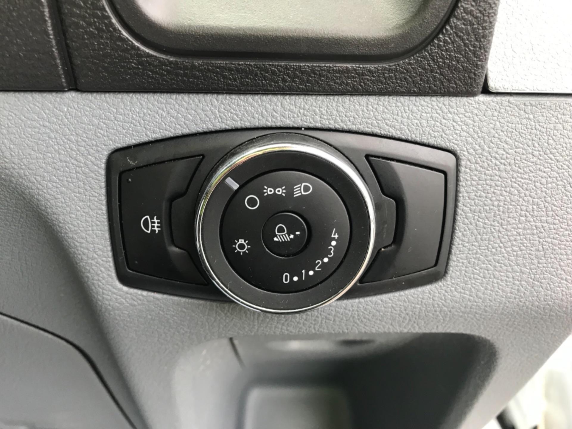 2018 Ford Transit L3 H3 VAN 130PS EURO 6 (FG18YFB) Image 19