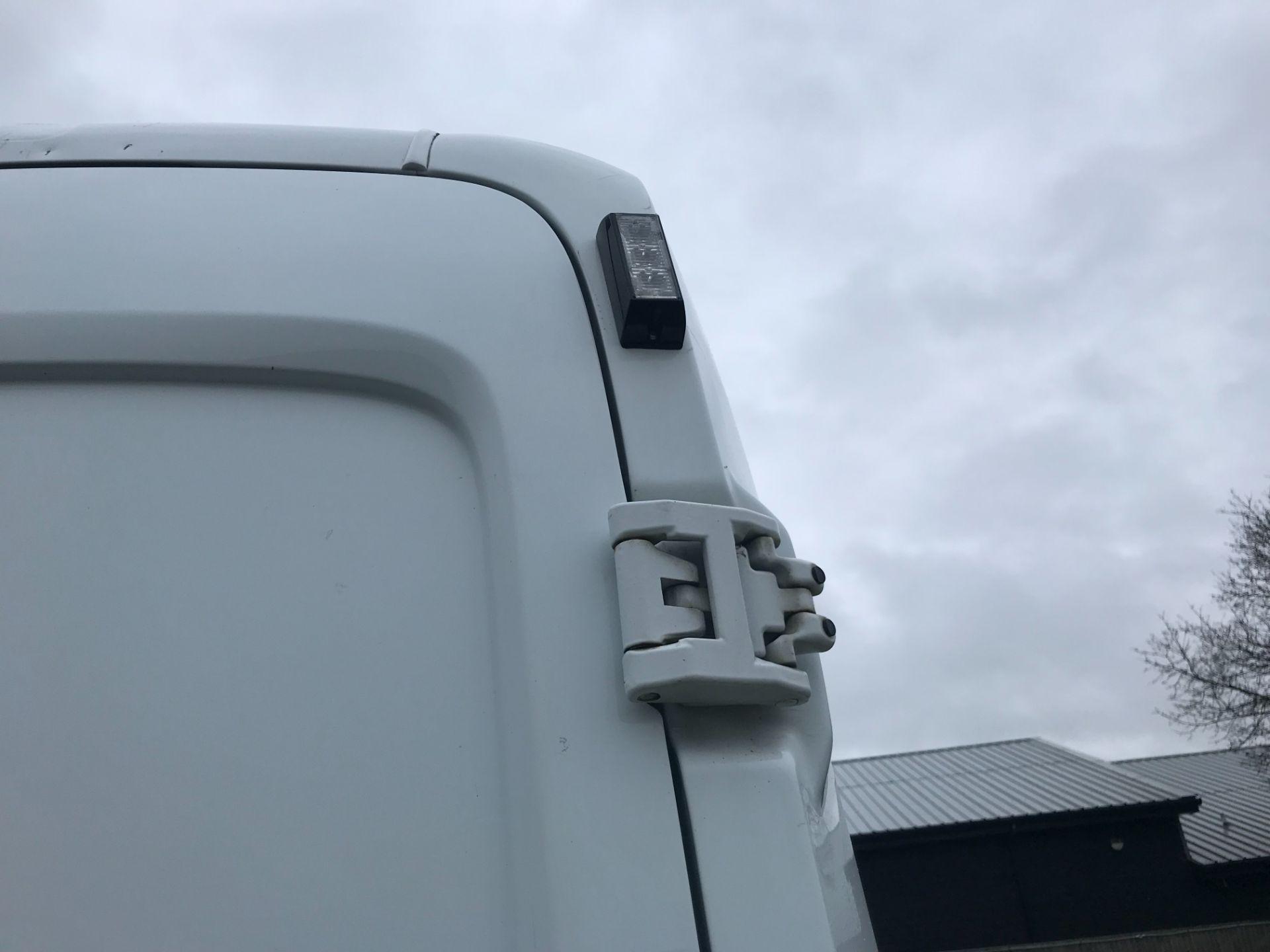 2018 Ford Transit 350  L2 H2 VAN 130PS EURO 6 (FG18YMZ) Image 26