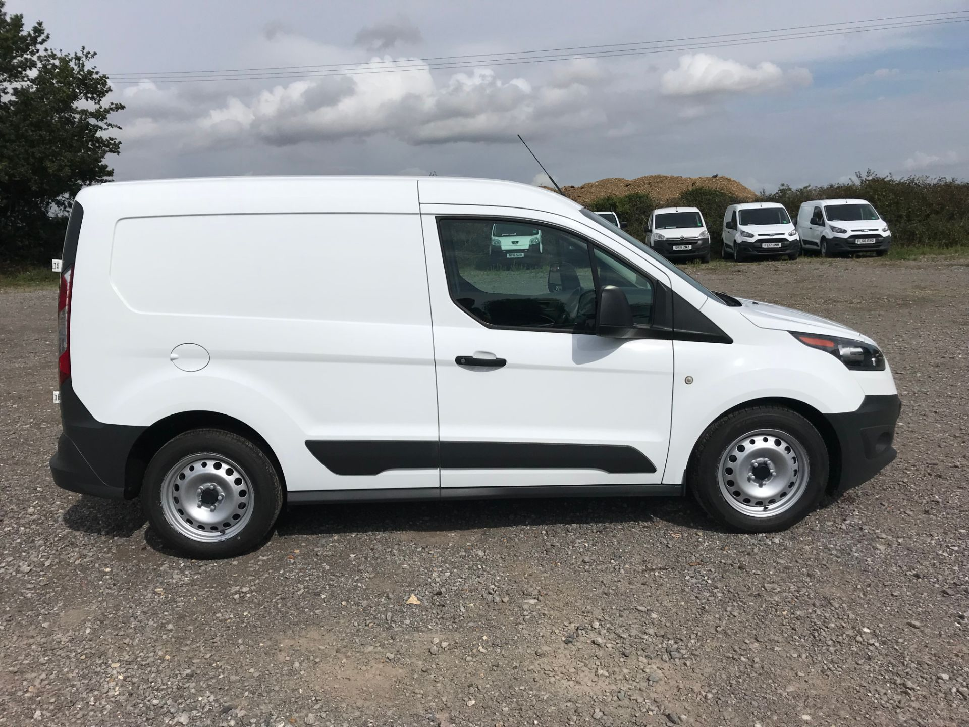 2016 Ford Transit Connect 1.5 Tdci 75Ps Van (FG66RLX) Image 9