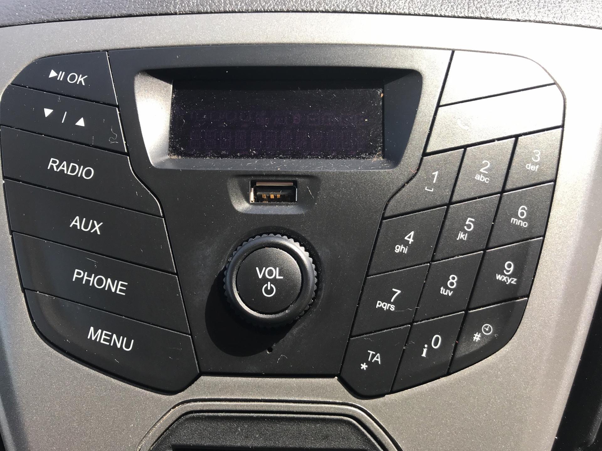 2016 Ford Transit Custom 2.0 Tdci 105Ps Low Roof D/Cab Van (FG66RUV) Image 10