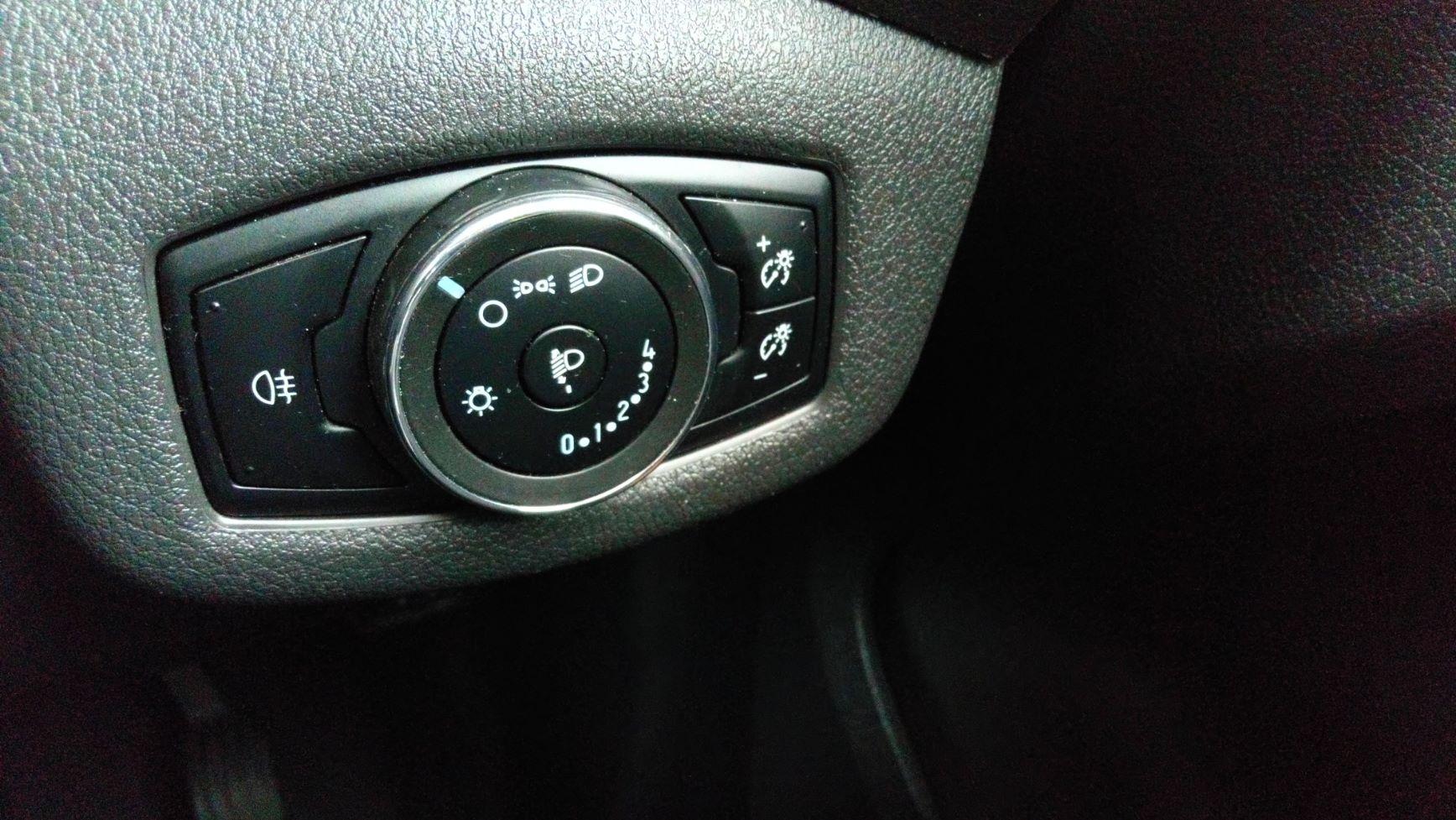 2016 Ford Transit Connect 1.5 Tdci 75Ps Van (FG66RXC) Image 23