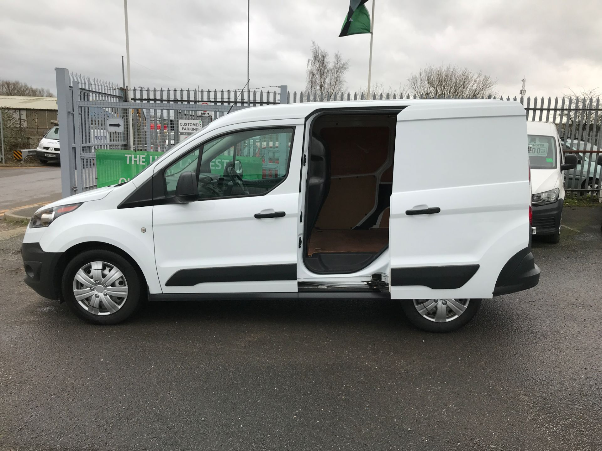 2016 Ford Transit Connect T220 L1 H1 1.5TDCI 75PS EURO 6 (FG66SUY) Image 18