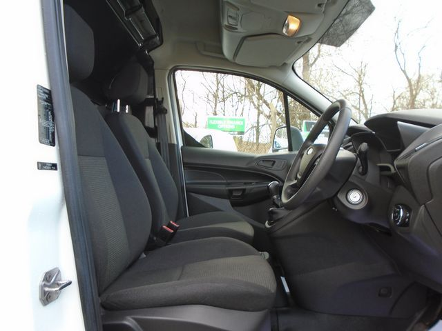 2016 Ford Transit Connect 220 L1 Diesel 1.5 TDCi 75PS Van EURO 6 (FG66SZV) Image 29